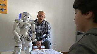Jibo, il robot che aiuta i bimbi autistici
