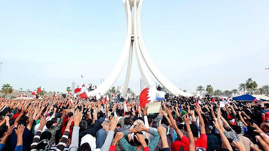 """احتجاجات في البحرين عند دوار """"اللؤلؤة"""" في العاصمة المنامة / 19 شباط/فبراير"""