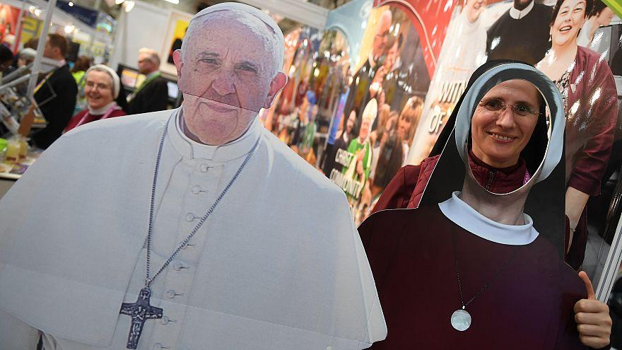 Útmutatást várnak az írek Ferenc pápától