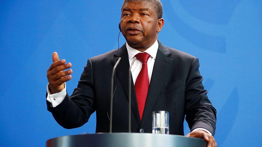 """""""O pedido de ajuda financeira de Angola ao FMI não é tão grave como o português"""""""