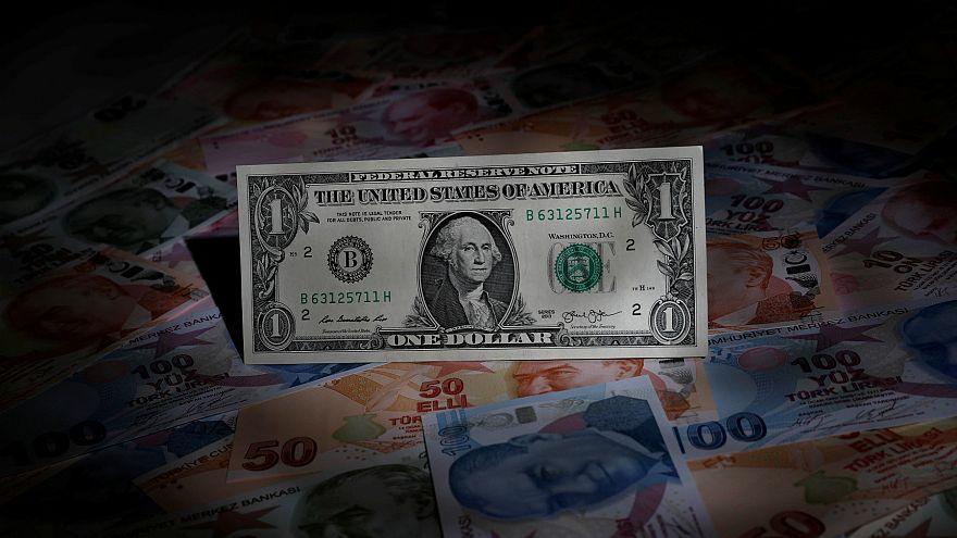 Dolar/TL 6,00 desteği üzerinde tutunuyor