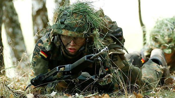 ارتش آلمان به جذب جوانان زیر سن قانونی روی آورده است