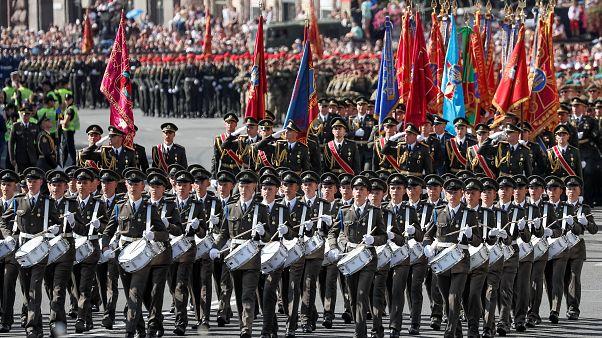Ucrânia mostra o seu lado mais bélico no Dia da Independência