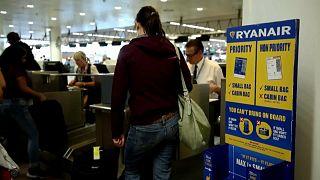 Ryanair passa a cobrar por bagagem de mão
