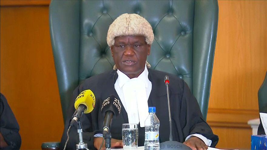 Presidente do Tribunal Constitucional, Luke Malaba, leu a decisão