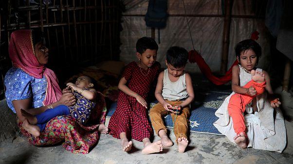 Um ano mais tarde, futuro sombrio para os Rohingya
