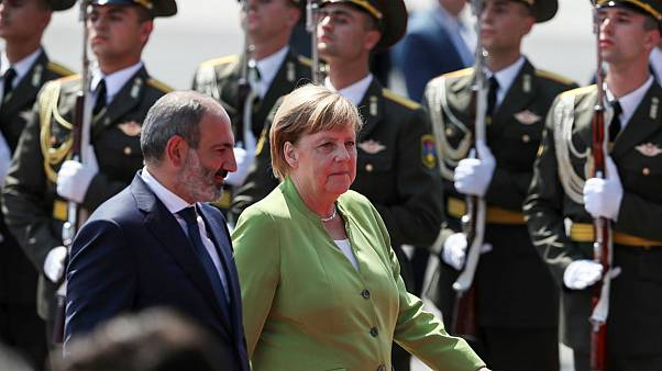 آنگلا مرکل، صدر اعظم آلمان به همراه نیکول پاشینیان، نخستوزیر ارمنستان