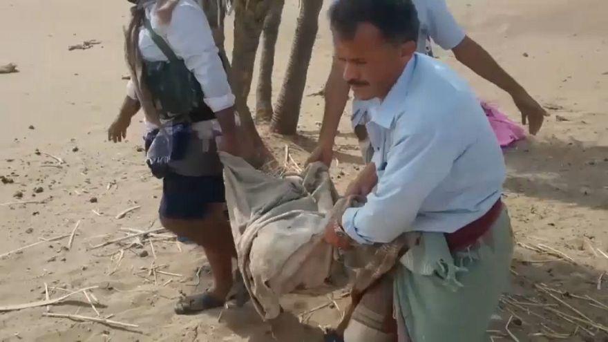 Mueren casi treinta niños en un bombardeo en Yemen