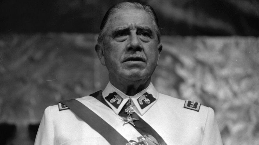 """محكمة تشيلية تقضي بمصادرة 1.6 مليون دولار من ممتلكات """"الديكتاتور"""" بينوشيه"""