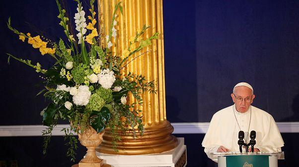 Франциск обещает наказать совратителей