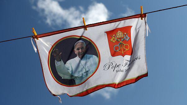 البابا فرنسيس: الكنسية مازالت تعيش العار الذي جلبته الاعتداءات البشعة