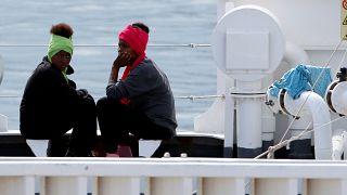 Se agrava la situación de los inmigrantes que permanecen a bordo del Diciotti