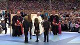 El papa se reúne en Dublín con víctimas de abusos de religiosos irlandeses