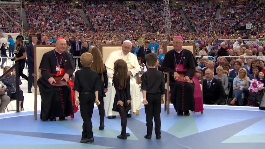 L'analisi: Il primo giorno di Papa Francesco in Irlanda