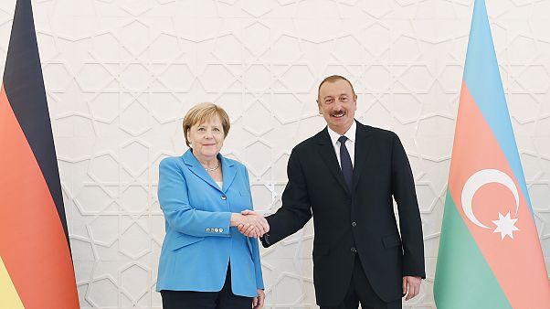 Merkel'den Azerbaycan çıkarması