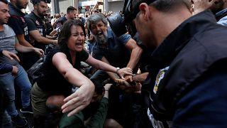 Διαδήλωση «Μητέρων του Σαββάτου»: Επεισόδια, χημικά και συλλήψεις