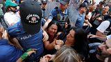 Feloszlatták a török anyák tüntetését