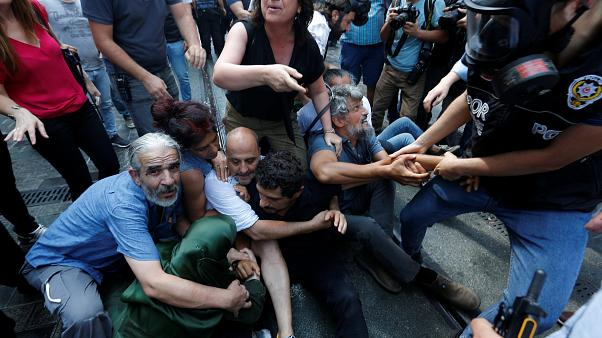 غاز مسيل للدموع واعتقالات في الأسبوع الـ 700 لأمهات السبت في تركيا