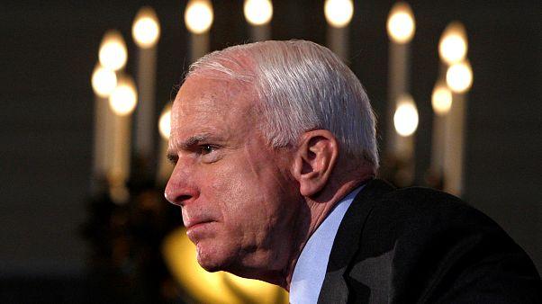 Elhunyt John McCain