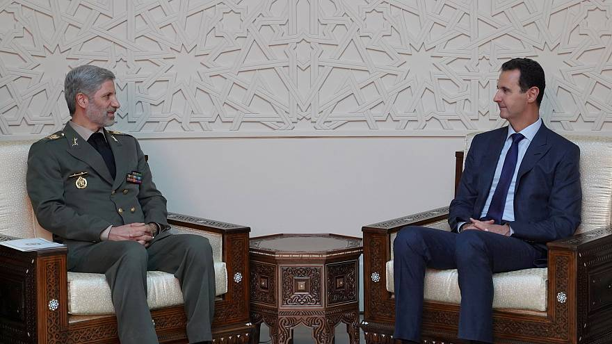 الرئيس السوري بشار الأسد يلتقي وزير الدفاع الإيراني أمير حاتمي في دمشق