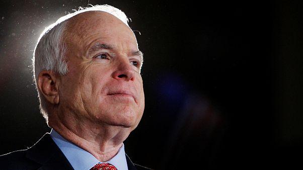 John McCain: Vietnam'da esir alındı; ABD başkanlığı için yarıştı
