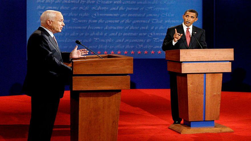 """شاهد: كيف رد ماكين على سيدة لم تثق في أوباما لأنه """"عربي"""""""