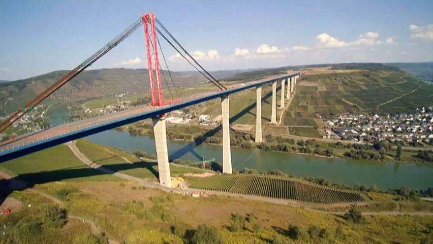 Germania, un ponte che fa discutere