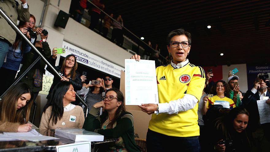 Kolombiya 'Yolsuzluk Karşıtı Referandum' için sandıkta