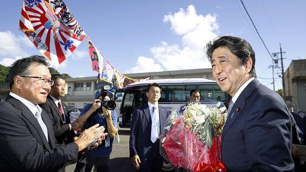 Şinzo Abe Japonya'nın en uzun süreli başbakanı olmaya hazırlanıyor