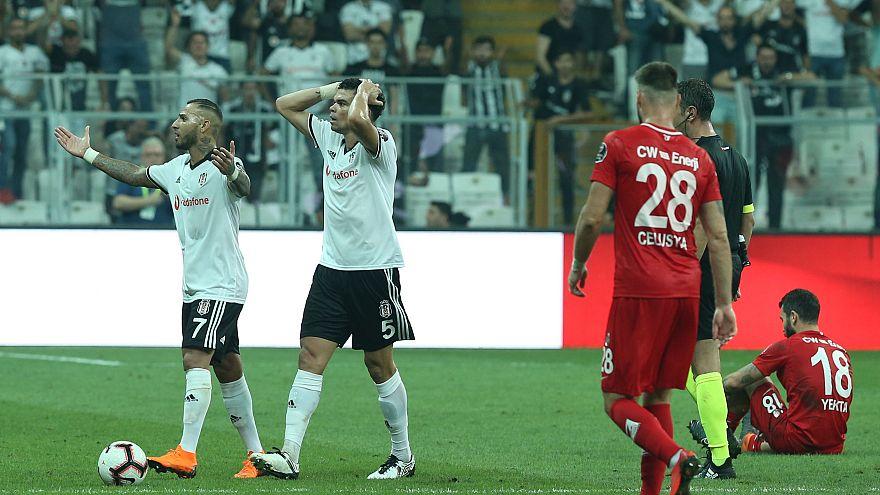 Beşiktaş ligde 45 maç sonra ilk kez sahasında kaybetti: 2-3