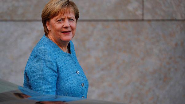 Merkel: egyértelmű migrációs törvény kell