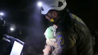 الخوذ البيضاء تستأنف عملها بعد نزوحها من الغوطة