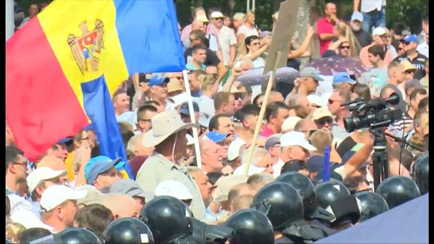 La policía de Moldavia disuelve un mitin de protesta en el Día de la Independencia