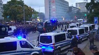 Extrema-direita e extrema-esquerda em protestos em Chemnitz