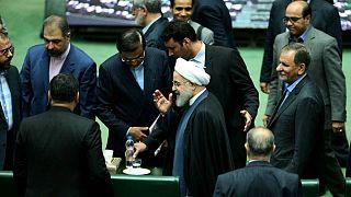 حسن روحانی در مجلس شورای اسلامی برای پاسخ به پرسشهای نمایندگان