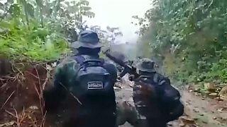 شاهد: الشرطة البوليفية تقع في كمين خلال عملية لمكافحة زراعة المخدرات