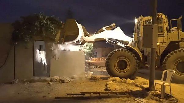الجيش الإسرائيلي يهدم منزل عائلة منفذ هجوم مستوطنة آدم