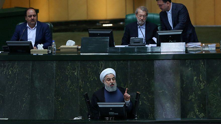 ردود روحاني بشأن اقتصاد إيران لم تقنع والبرلمان يحمله المسؤولية