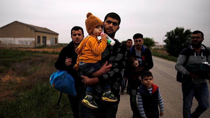 Binlerce Suriyeli evlerine dönmeye başladı