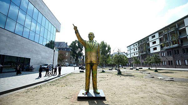 تمثال للرئيس التركي أردوغان يثير أشكالية في معرض فني شهير بألمانيا
