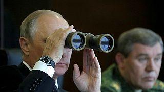 روسیه بزرگترین مانور نظامی ۴۰ سال اخیرش را برگزار میکند