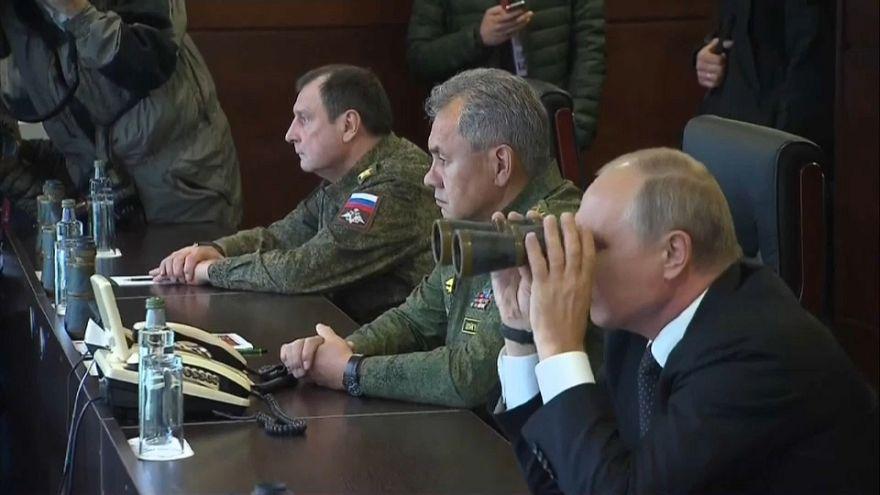 Επίδειξη στρατιωτικής δύναμης από την Ρωσία