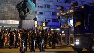 Берлин осуждает беспорядки в Хемнице