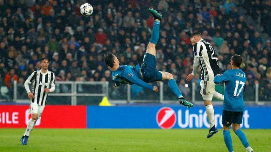 Ronaldo'nun Juventus'a attığı röveşata golü yılın en iyisi seçildi