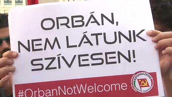 Orbán és Salvini ellen tüntettek Milánóban