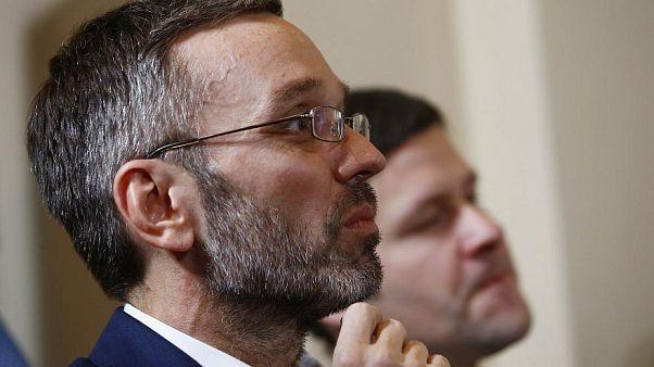 Moção de censura contra ministro austríaco do Interior