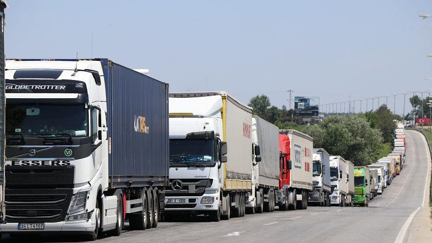 Türkiye'nin dış ticaret açığı temmuzda yüzde 32,6 düştü
