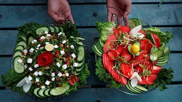 Fransa: Lise kantinlerinde öğrencilere organik ürünler sunulacak