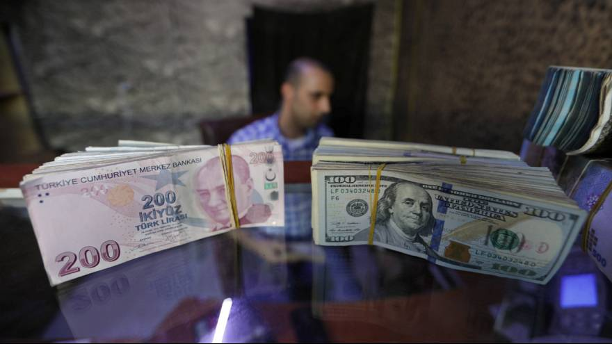 کاهش ارزش لیر ترکیه در مقابل دلار آمریکا
