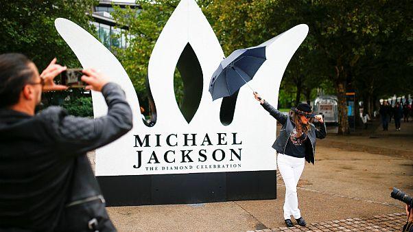 سالگرد تولد شصت سالگی مایکل جکسون در غیبت خواننده سرشناس موسیقی پاپ